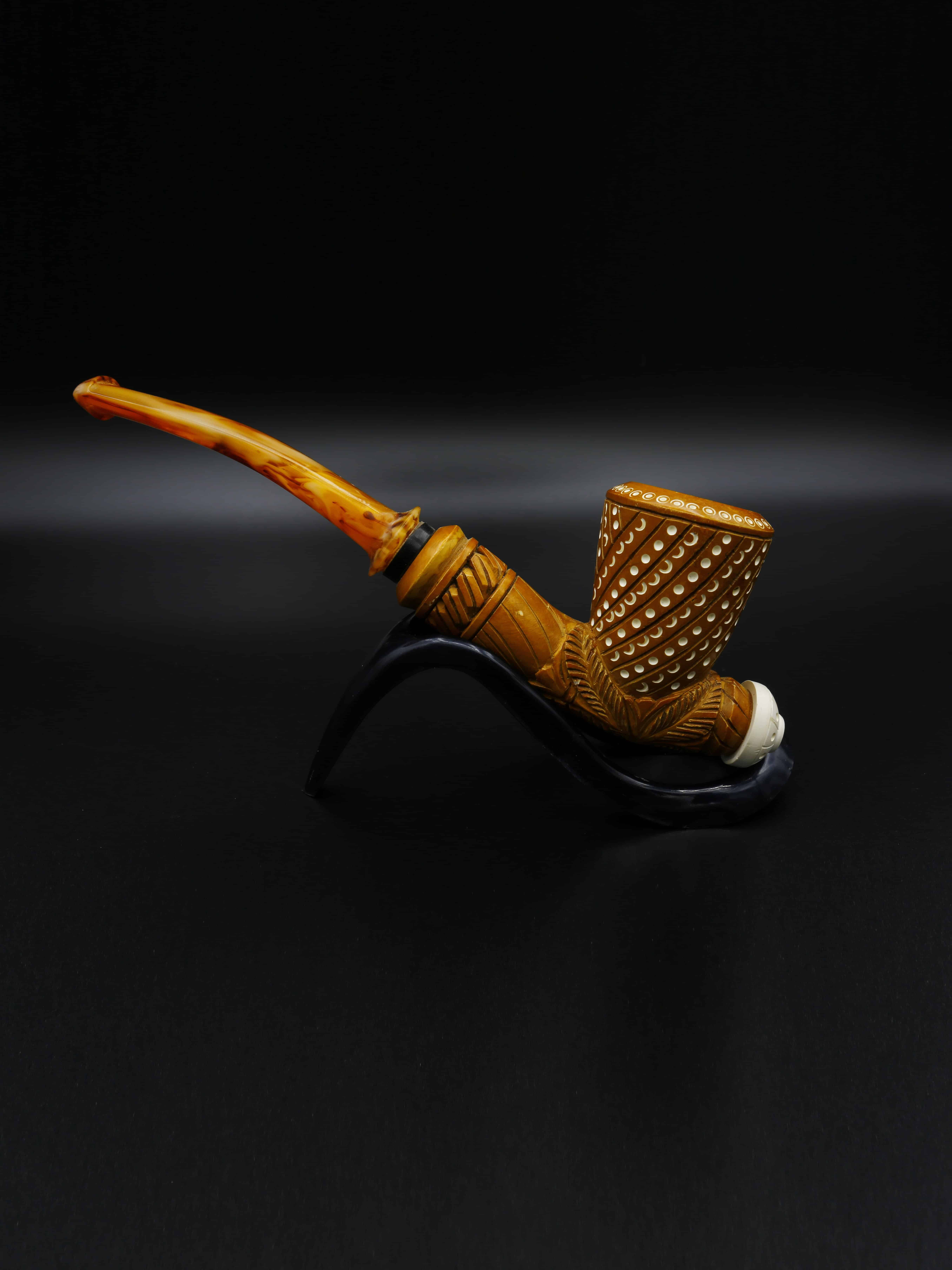 meerschaum pipe brown poker hand carved new 1 - Old Tradition: Meerschaum Pipes