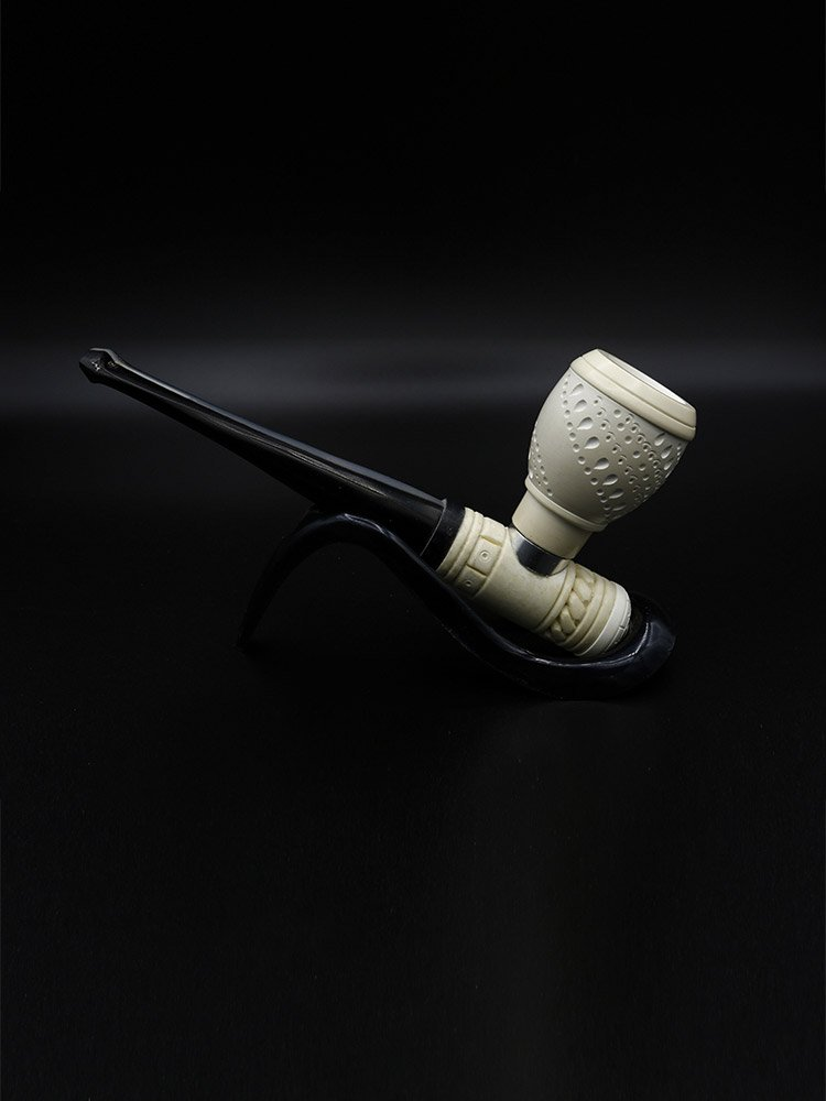 perfect cavalier pipe 1 - Old Tradition: Meerschaum Pipes