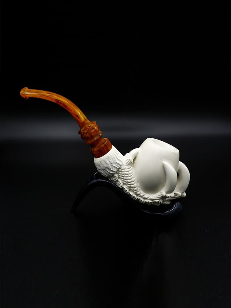 pure eagle claw pipe 2 - Old Tradition: Meerschaum Pipes